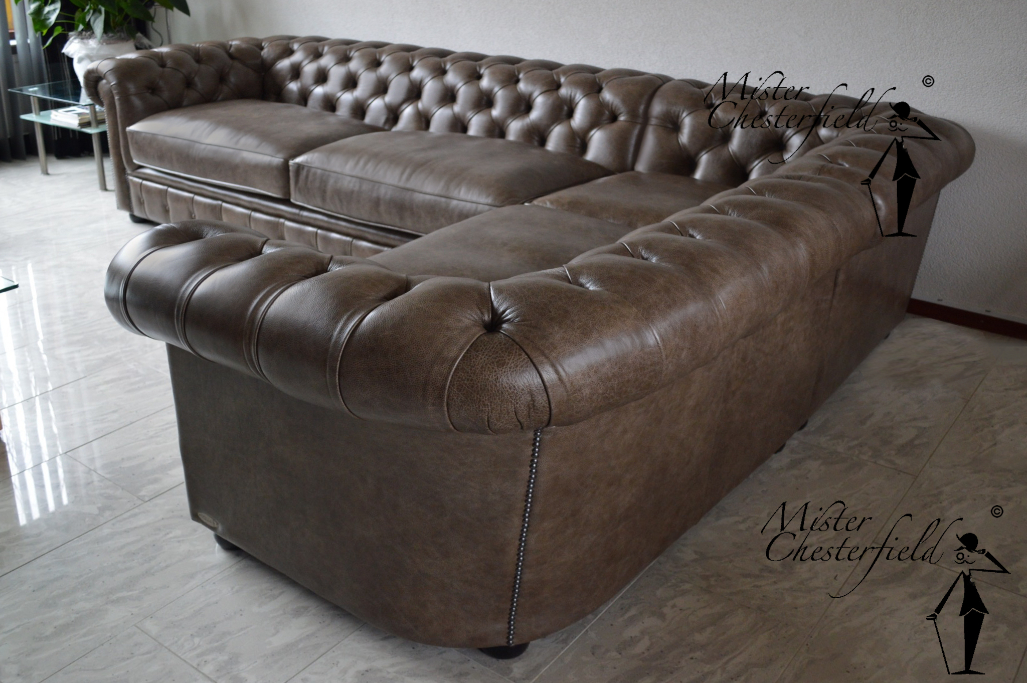 Corner Sofa Mister Chesterfield