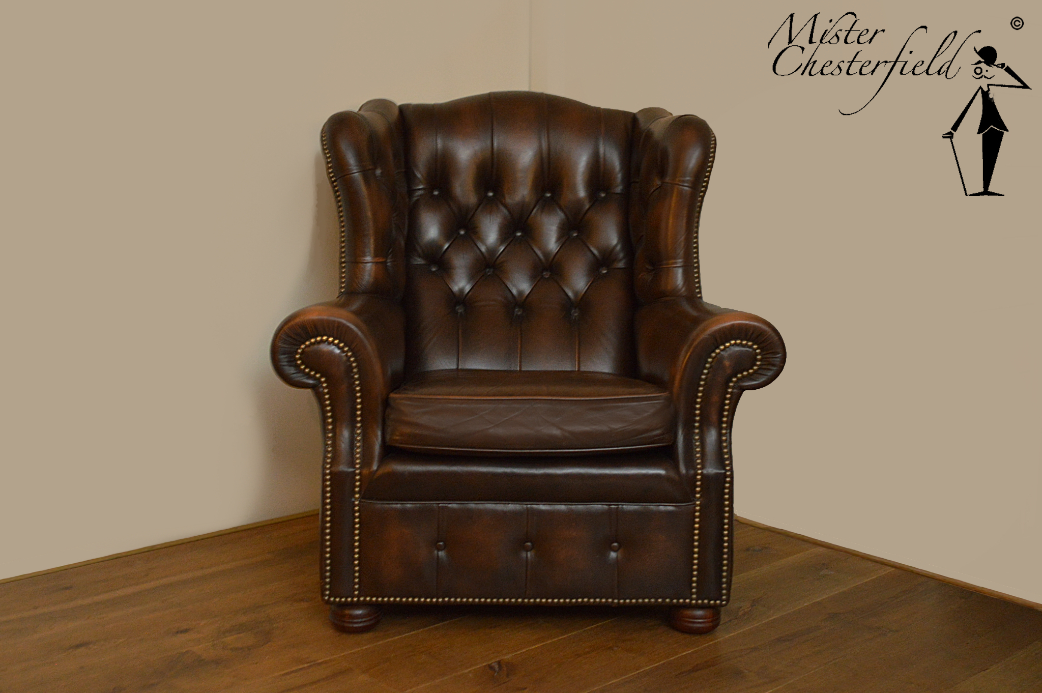 08 Two Chesterfield Chairs Brown Directly Available.  WADE_CHESTERFIELD_LTD_WINGCHAIRS_OORFAUTEUILS_MEUBELS