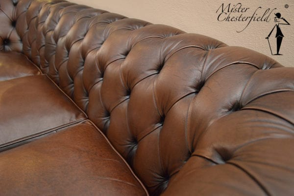 bruine_chesterfield_bank_detail_3