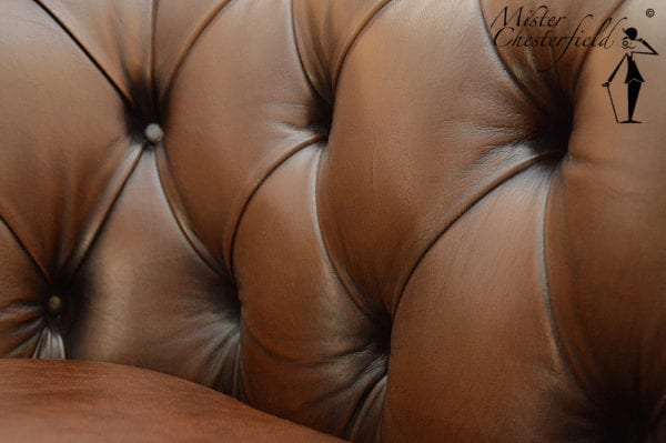 bruine_chesterfield_bank_detail_5