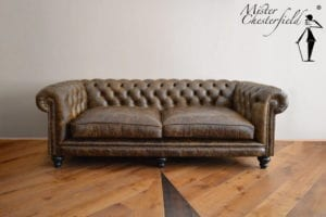 vintage_chesterfield_bank