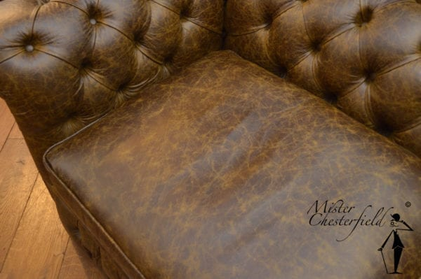 Vintage-chesterfield-bank-bruin-3