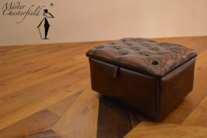 Chesterfield_slipper_box