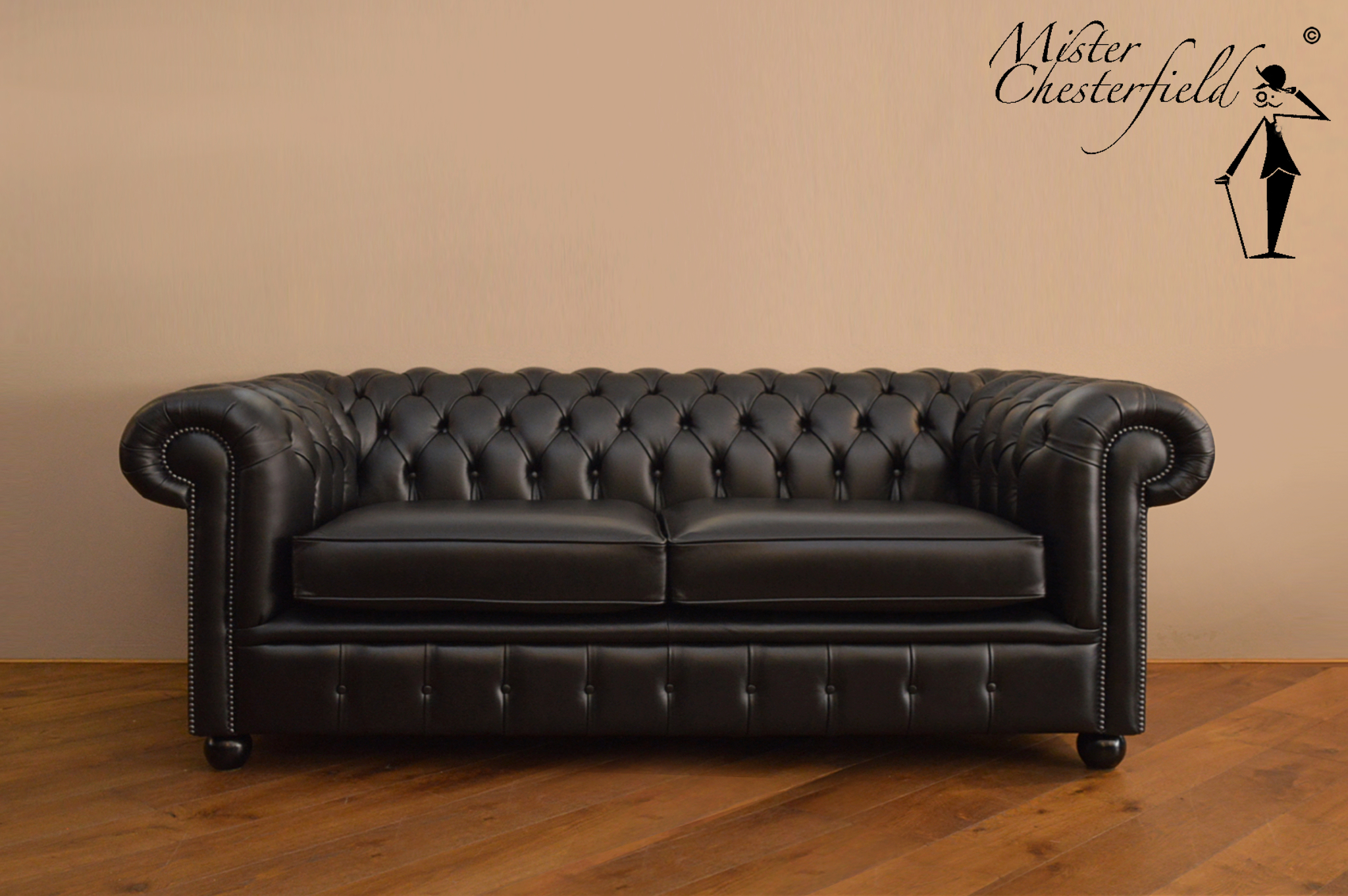 Chesterfield sofa in waxed black 215cm directly available