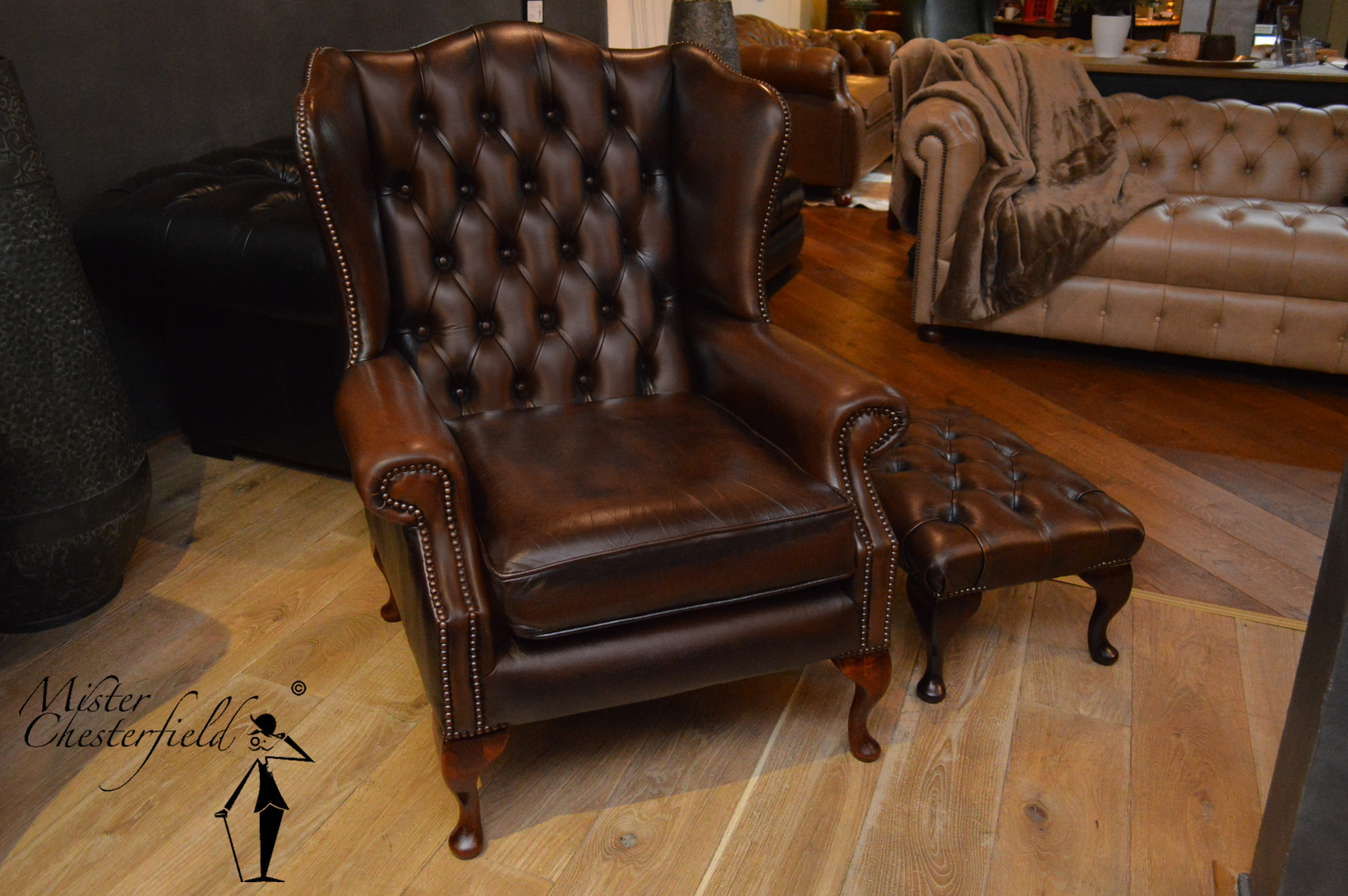 29 Chesterfield Queen Anne wing chairs in Antique brown (4x). queen_anne_wingchair_chesterfield & NR. 29 Chesterfield Queen Anne wing chairs in Antique brown (4x ...