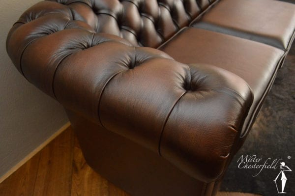 chesterfield_detail_arm