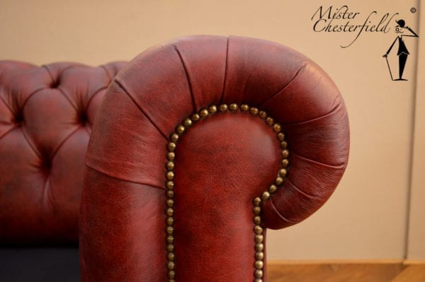 vintage_chesterfield_rood_arm