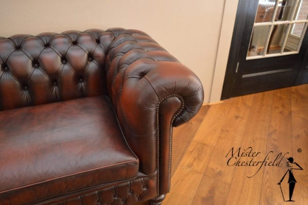 chesterfield-rood-bruin-bank