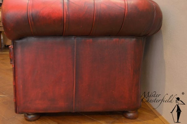 rood_chesterfield_fauteuil_vintage