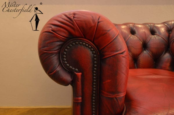 rood_chesterfield_stoel_detail