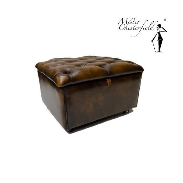 Chesterfield-slipper-box-gold-antique