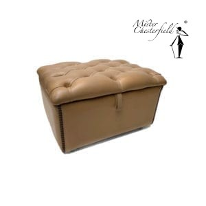 Chesterfield-voetenbank-slipperbox-creme-wit