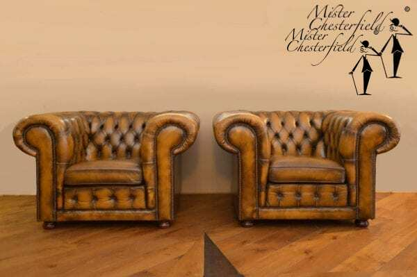 chesterfield_club_chairs