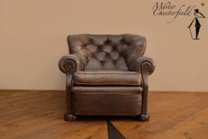 oude_chesterfield_writers_chair(1)