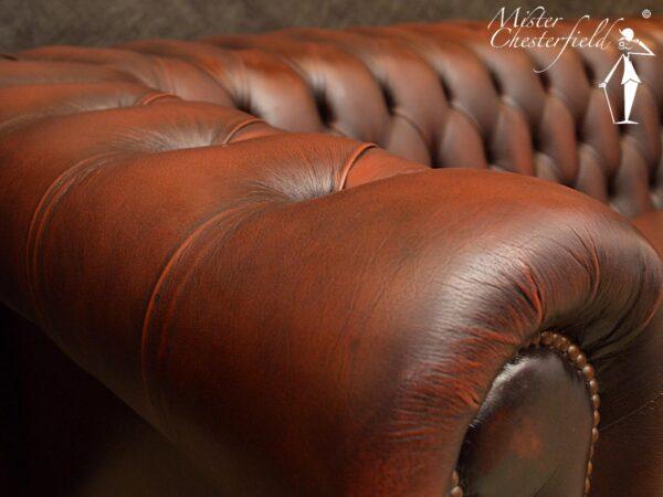 chesterfield-rossendale-rust-detail-leder