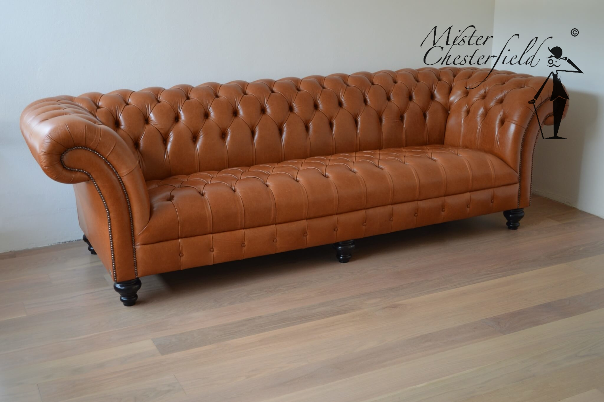 chesterfield-bank-camel-caramel-sadle-bruciato
