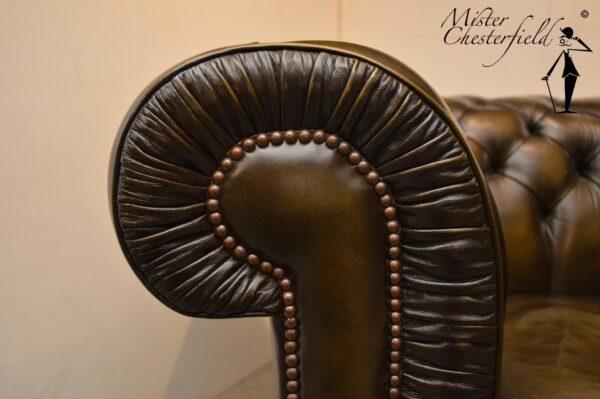 google-wade-chesterfield-bronskleur-olijfgroen-1