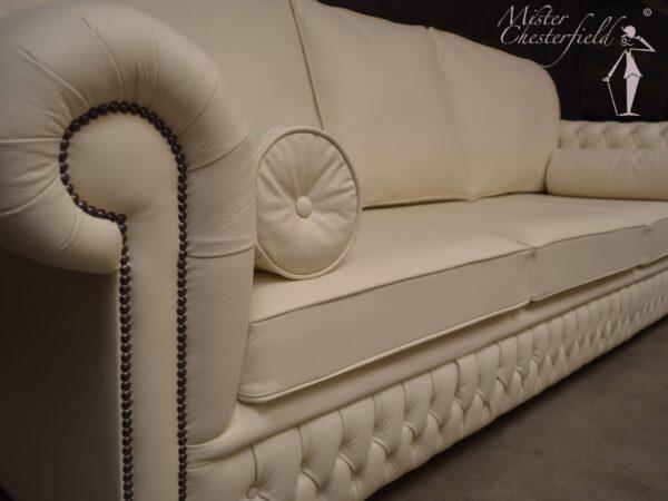 chesterfield-bradford-cushion-detail-2