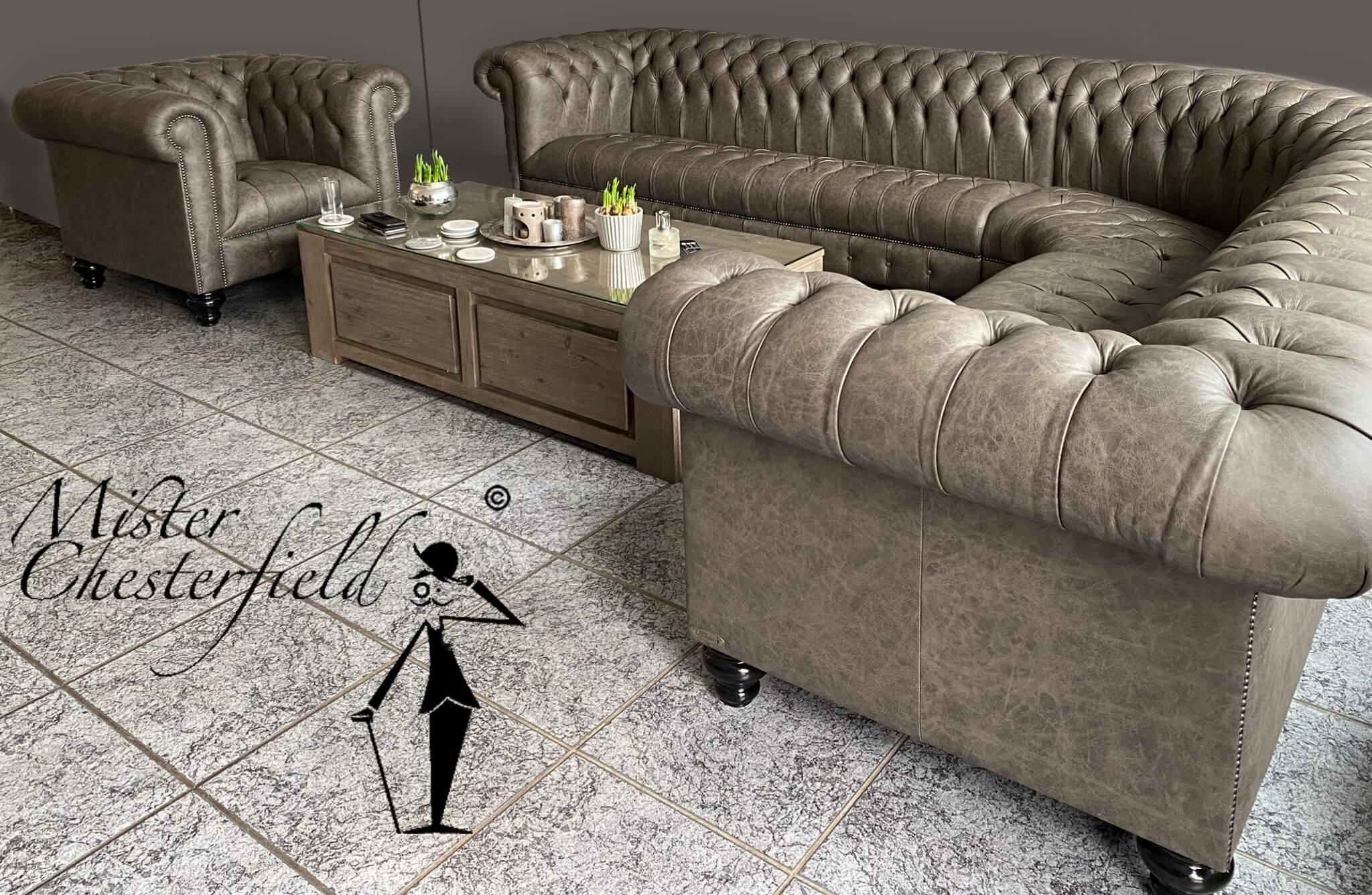 fotoboek-chesterfield-corner-sofa-kingston-Forrest-vintage-taupé-coal-sprung-seat